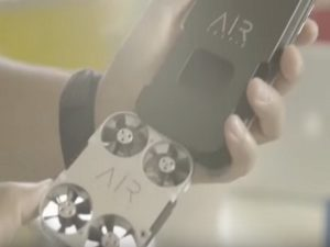 Airselfie: Η μικρότερη ιπτάμενη κάμερα στον κόσμο! [vid]
