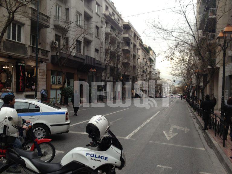 Ανοιξε η Ακαδημίας έκλεισε η Σοφοκλέους – Κι άλλο τηλεφώνημα για βόμβα | Newsit.gr