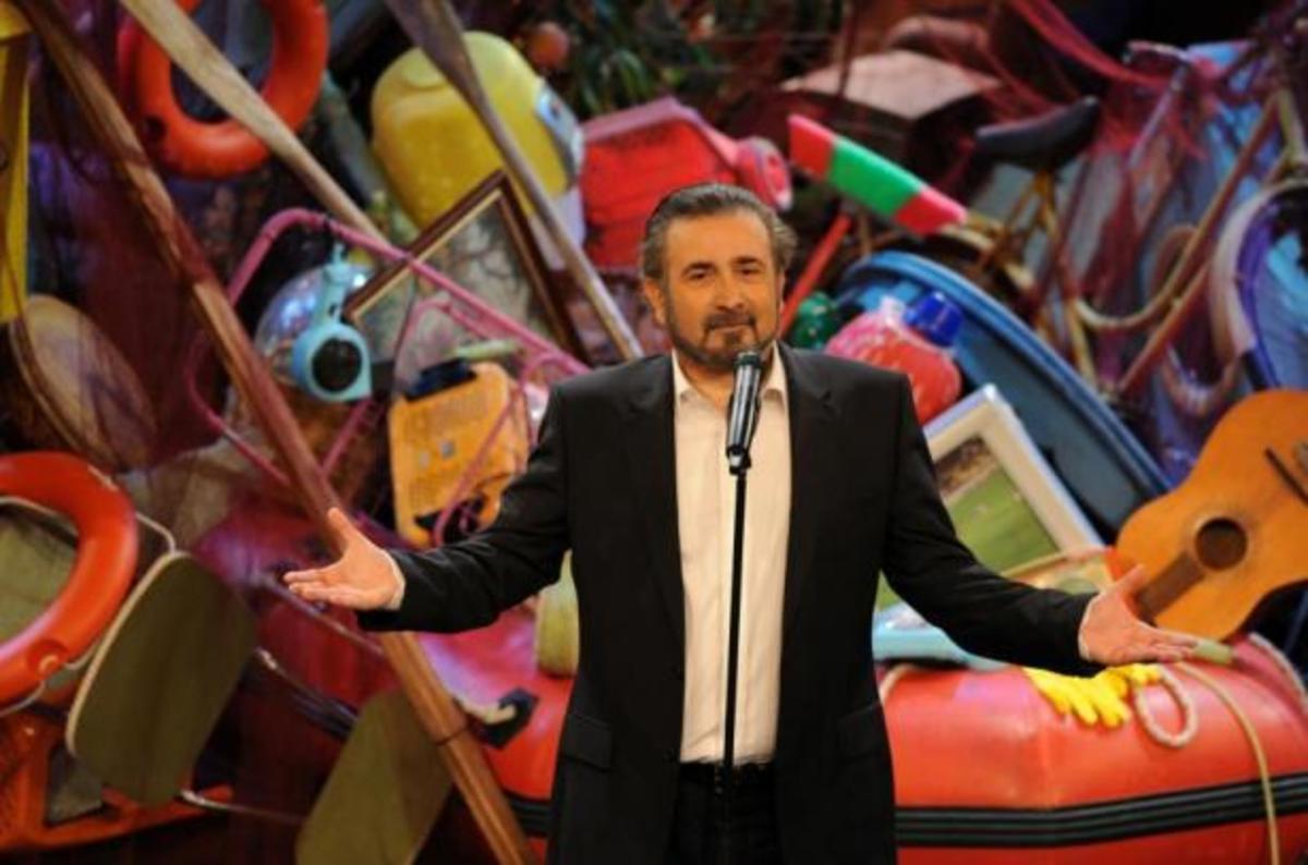 Απόψε το μεγάλο φινάλε του Λάκη Λαζόπουλου! Ποιοι θα ανέβουν στη σκηνή;   Newsit.gr