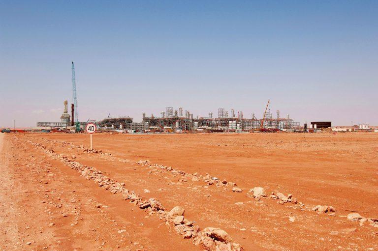 15 ξένοι και 30 αλγερινοί όμηροι απέδρασαν από το εργοστάσιο της BP | Newsit.gr