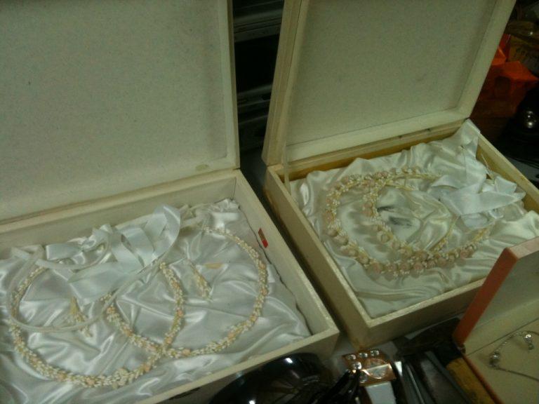 Έκλεβαν μέχρι και τα στέφανα του γάμου | Newsit.gr