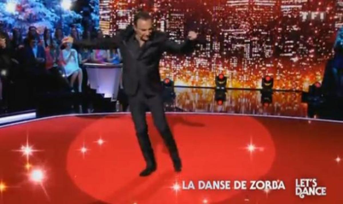 O Νίκος Αλιάγας είναι… δεινός χορευτής! Δες τον να χορεύει από Disco μέχρι συρτάκι! | Newsit.gr
