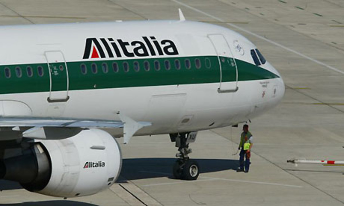 Απολύσεις ετοιμάζει η Alitalia | Newsit.gr