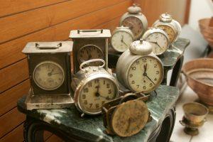 Πότε αλλάζει η ώρα και γιατί γυρίζουμε τα ρολόγια μας μπροστά