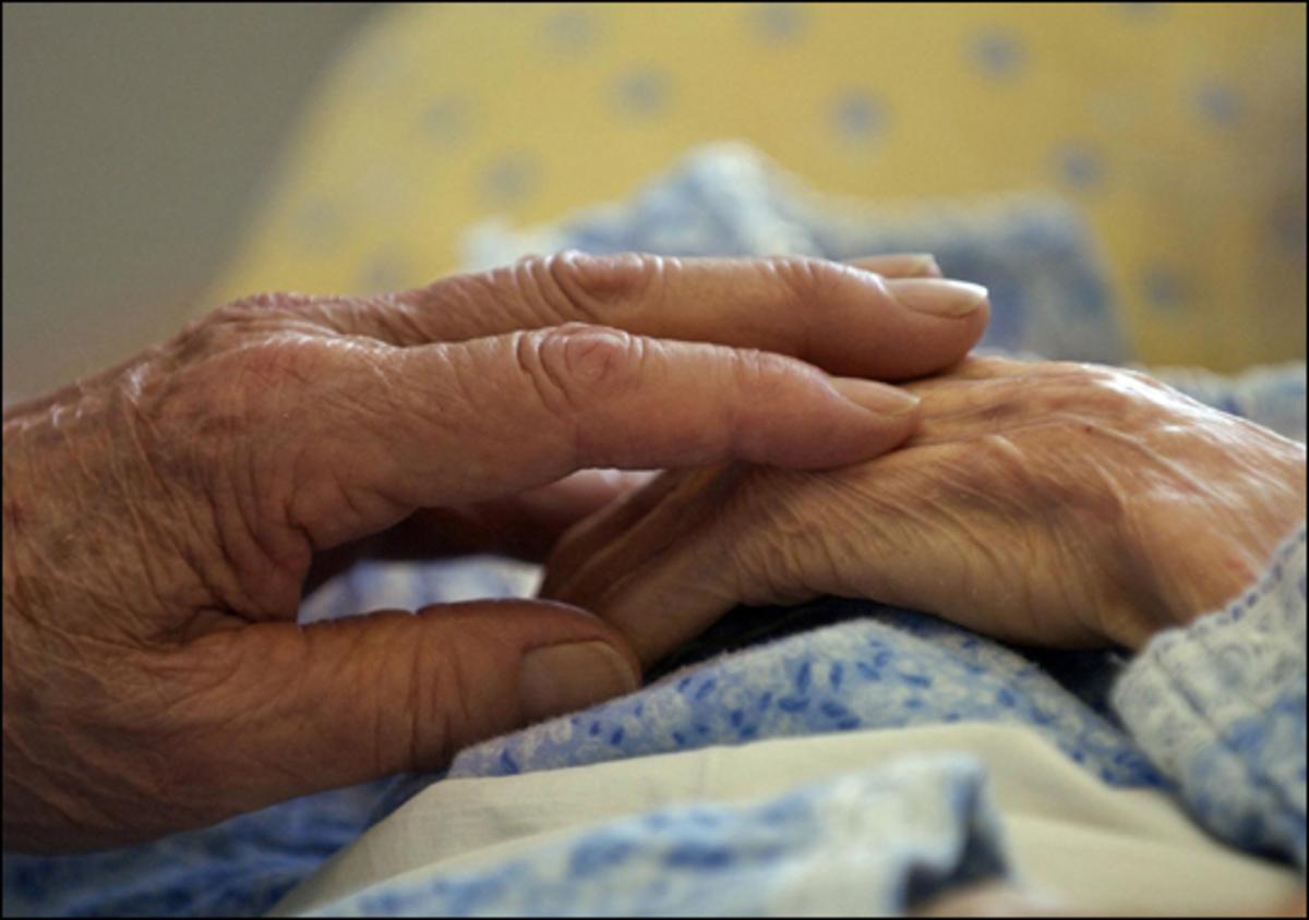 Χρήσιμες συμβουλές σε συγγενείς ατόμων με Αλτσχάιμερ | Newsit.gr