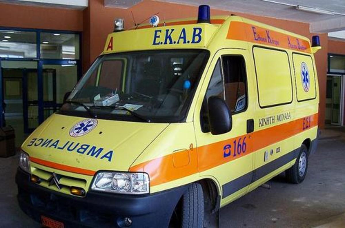 Αυτοκίνητο παρέσυρε κοριτσάκι στη Λαμία | Newsit.gr