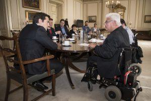 Επείγουσα επιστολή στον πρωθυπουργό για τα αναπηρικά επιδόματα