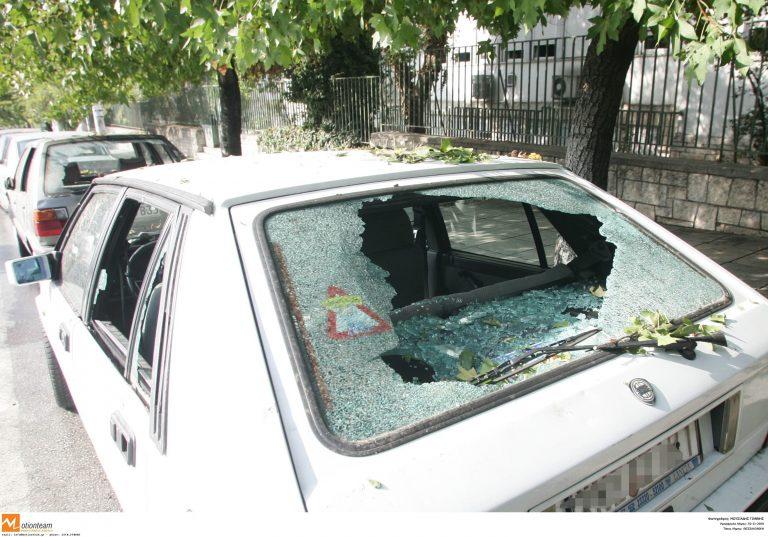 Χανιά: Μέθυσε και τα έβαλε με τα… αυτοκίνητα! | Newsit.gr