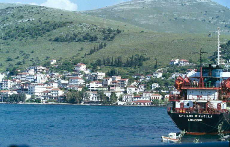 Αμφιλοχία: Για να γλιτώσει τον έλεγχο έπεσε στη θάλασσα και πνίγηκε   Newsit.gr