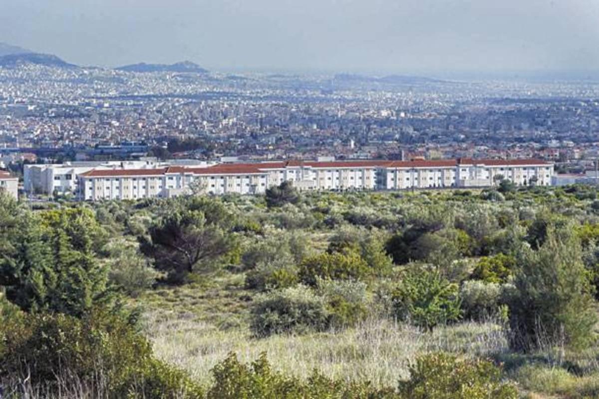 Κλειστή από κατοίκους η Λ.Θρακομακεδόνων για το κέντρο της Αμυγδαλέζας | Newsit.gr