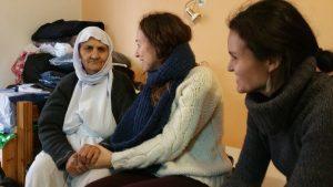 Ζωή κόλαση: Ύπνος στο πάτωμα, χωρίς ζεστό νερό και ρεύμα – Τι είδε η Διεθνής Αμνηστία