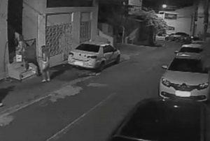 Δολοφονία Αμοιρίδη: Νέο βίντεο ντοκουμέντο! «Τέρας ψυχραιμίας» η Φρανσουάζ, μπαίνει στο σπίτι με την κόρη τους!
