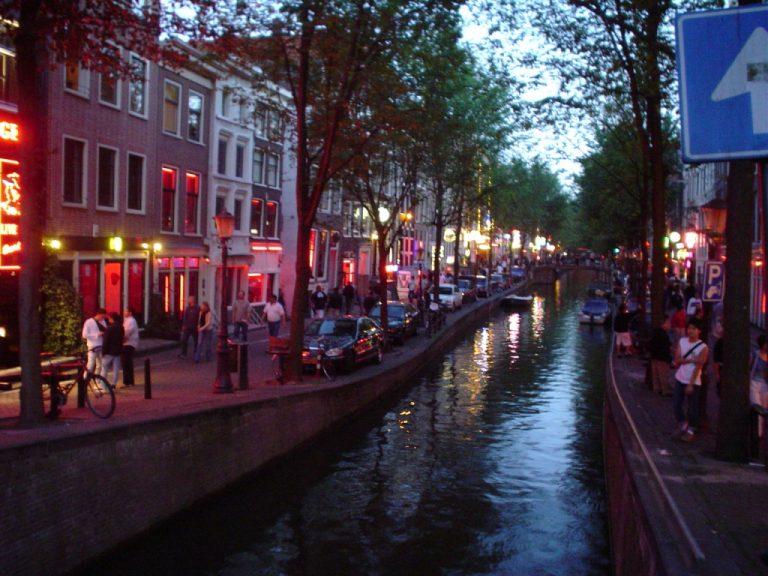 Τα κανάλια του 'Αμστερνταμ μεταξύ των 15 νέων μνημείων πολιτιστικής κληρονομιάς | Newsit.gr