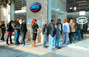 Μεγάλη μείωση της ανεργίας κατά 2 μονάδες