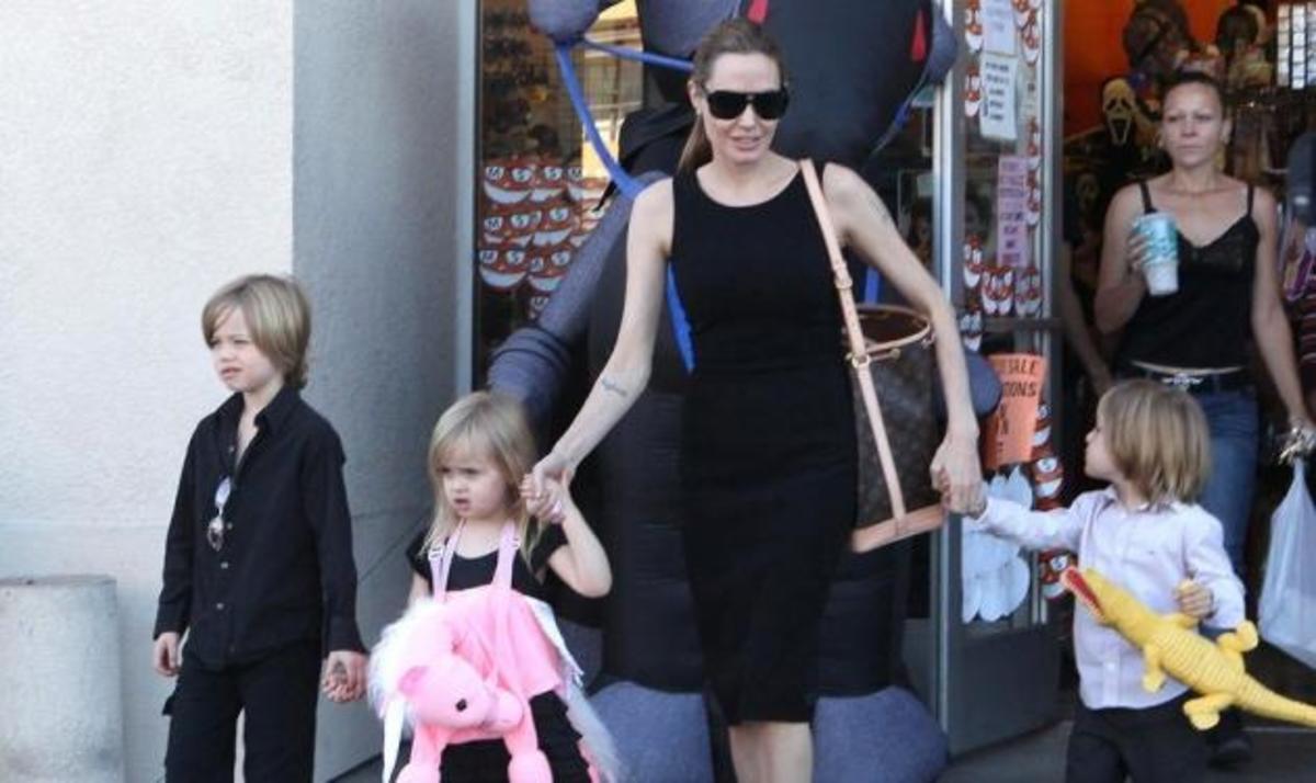 A. Jolie: Πώς γιόρτασε το Halloween με τα παιδιά της; Φωτογραφίες | Newsit.gr