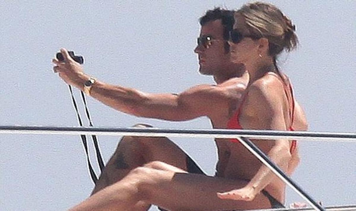 J. Aniston – J. Theroux: Τρελά ερωτευμένοι ταξιδεύουν στην Ιταλία! Φωτογραφίες | Newsit.gr