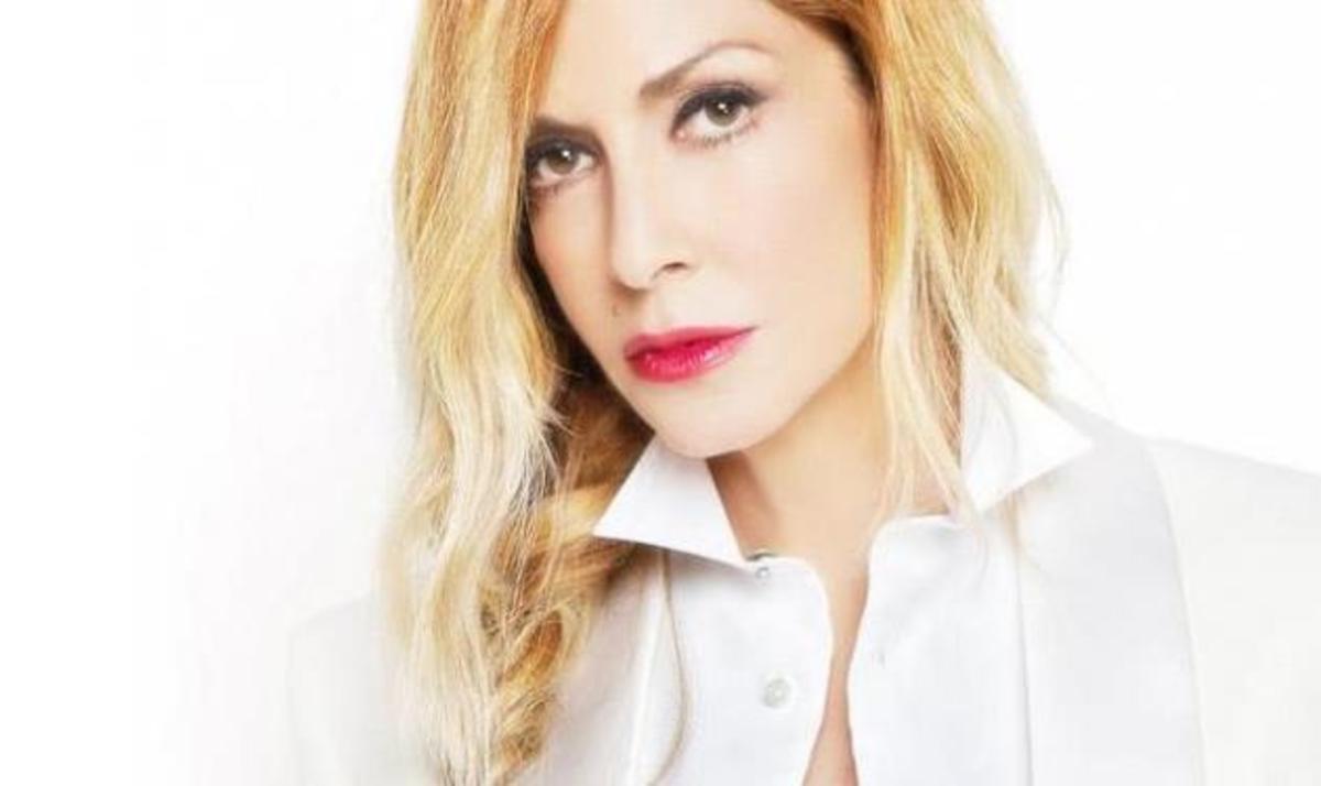 Η Άννα Βίσση έγινε άγαλμα! Φωτογραφίες | Newsit.gr