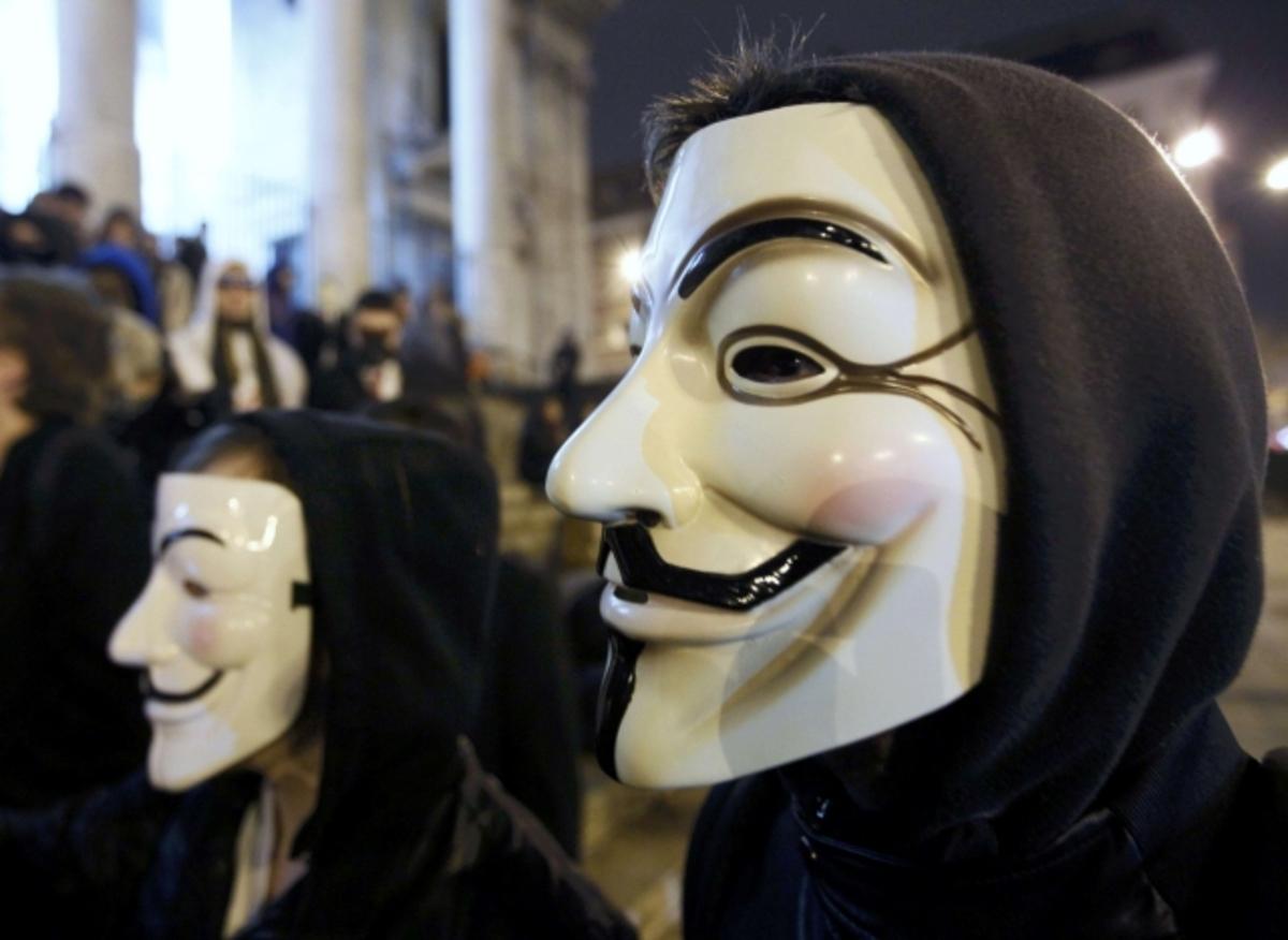 Οι συλλήψεις δεν θα αφανίσουν τους Anonymous! | Newsit.gr