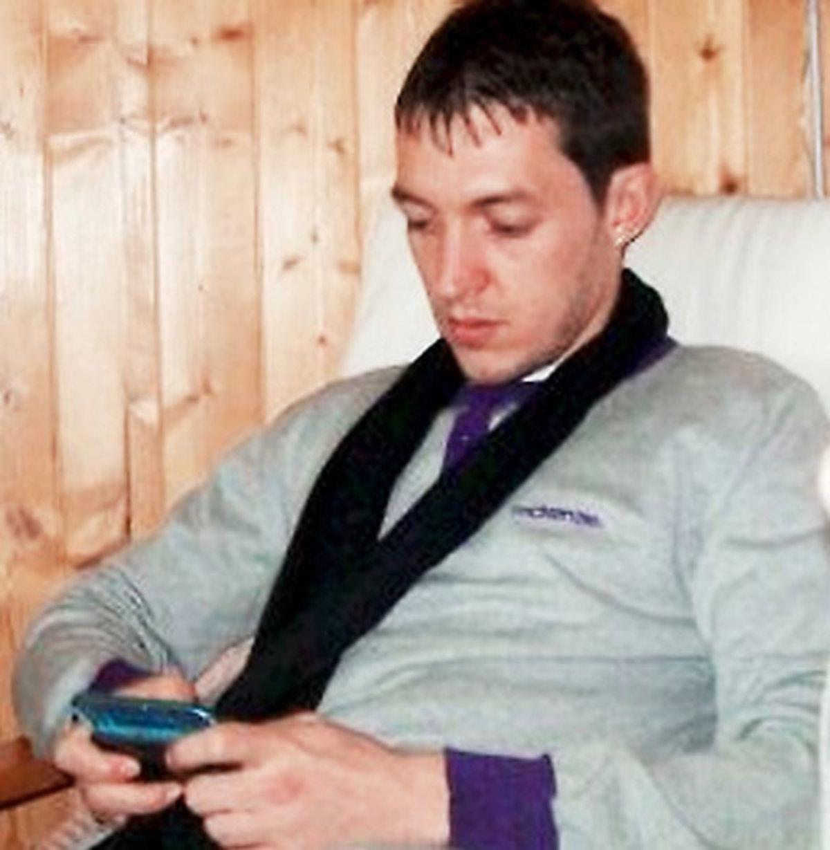 Ο ληστής ξέχασε το κινητό του με… τις προσωπικές του φωτογραφίες! | Newsit.gr