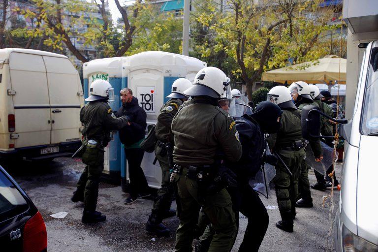 44 συλλήψεις για τα επεισόδια στους Αμπελόκηπους | Newsit.gr