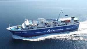 Περιπέτεια για τους 455 επιβάτες του πλοίου «Απόλλων Ελλάς» – Παρουσίασε βλάβη εν πλω
