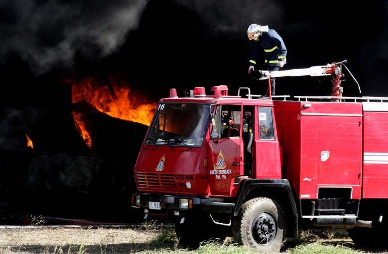 Αλεξανδρούπολη: Φωτιά σε ξύλινη αποθήκη | Newsit.gr