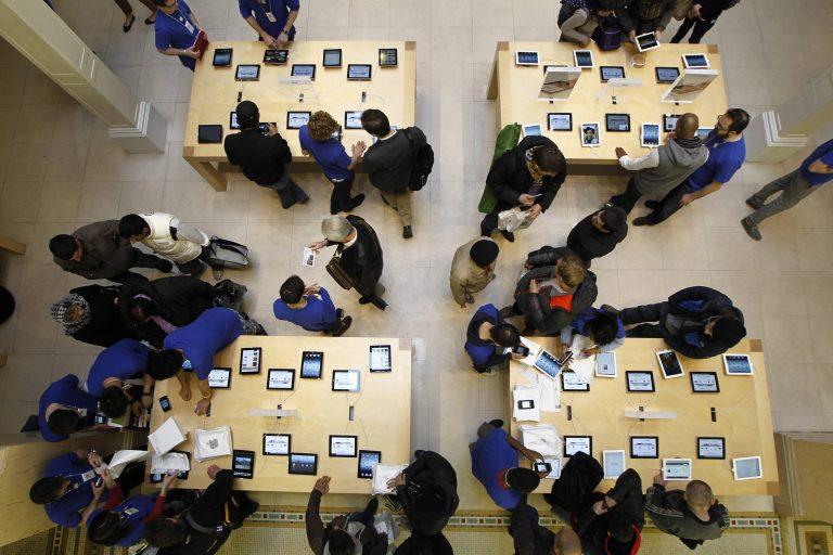 «Σήκωσαν» το μαγαζί της Apple κι έφυγαν με… λεωφορείο!   Newsit.gr