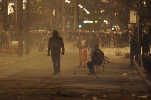 Πολυτεχνείο: Αραχτοί οι κουκουλοφόροι γκρεμίζουν την Αθήνα [pics]