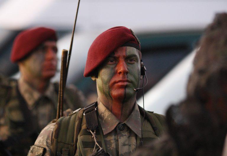 Τέσσερις κούρδοι αντάρτες σκοτώθηκαν σε μάχες με τον τουρκικό στρατό | Newsit.gr