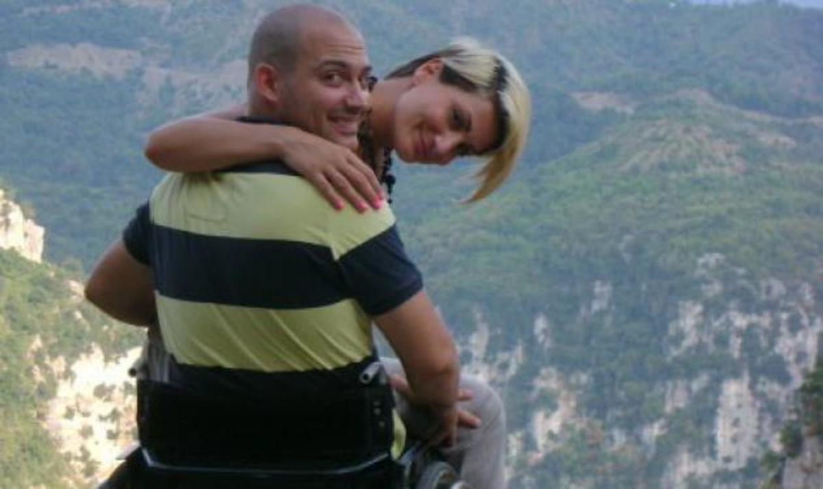 Η αναπηρία του Θανάση δεν εμπόδισε την σχέση του με την Ηλέκτρα! Τι λέει το ζευγάρι στο Μίλα | Newsit.gr