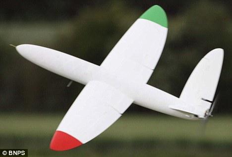 «Εκτύπωσαν» αεροπλάνο που πετάει χωρίς πιλότο! | Newsit.gr