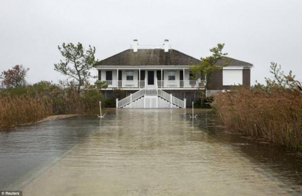 Πλημμύρισε το σπίτι διάσημου ηθοποιού από τον τυφώνα Sandy! | Newsit.gr