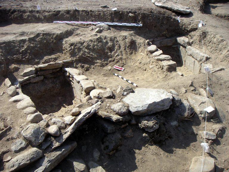 Aρχαίο δικαστήριο ανακαλύφθηκε στην περιοχή Μακρυγιάννη | Newsit.gr