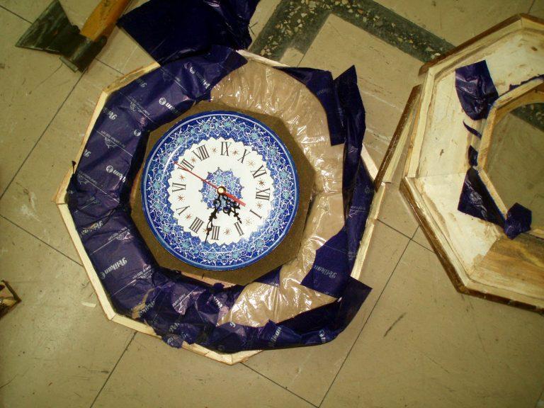 Κορνίζες και ρολόγια με ηρωίνη… | Newsit.gr