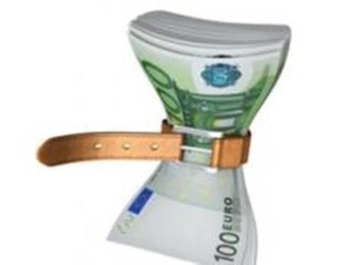 Ασφυξία στην οικονομία από την αύξηση του ευρώ-επιτοκίου | Newsit.gr