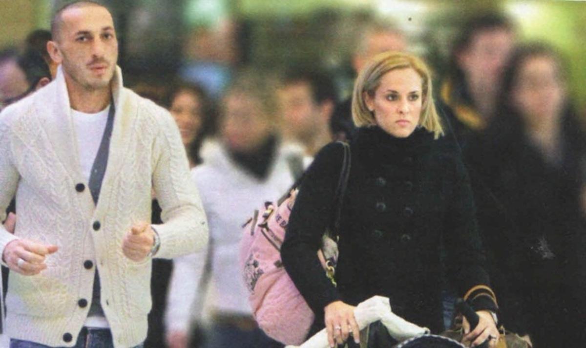 Ε. Ασημακοπούλου: Βόλτα στην Αθήνα με τον Μπρούνο και την μικρή της! | Newsit.gr