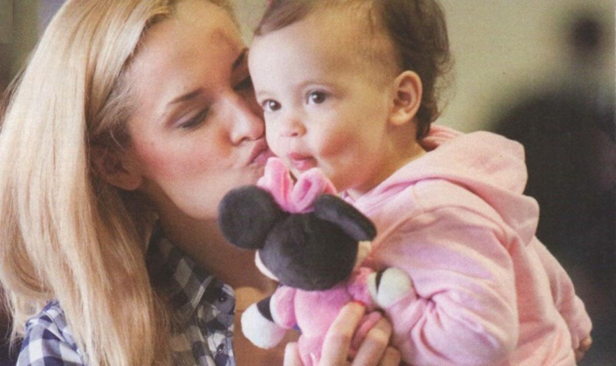 Ε. Ασημακοπούλου: Ταξίδι στην Ιταλία με την κόρη της και τον Μπρούνο! | Newsit.gr