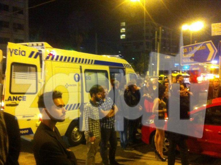 ΑΠΟΚΛΕΙΣΤΙΚΕΣ ΕΙΚΟΝΕΣ: Το ασθενοφόρο που παρέλαβε την Άννα Βίσση και το κομφούζιο από τους θαυμαστές | Newsit.gr