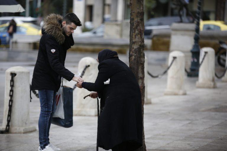Η Die Zeit αποθεώνει την φτώχεια των Ελλήνων | Newsit.gr