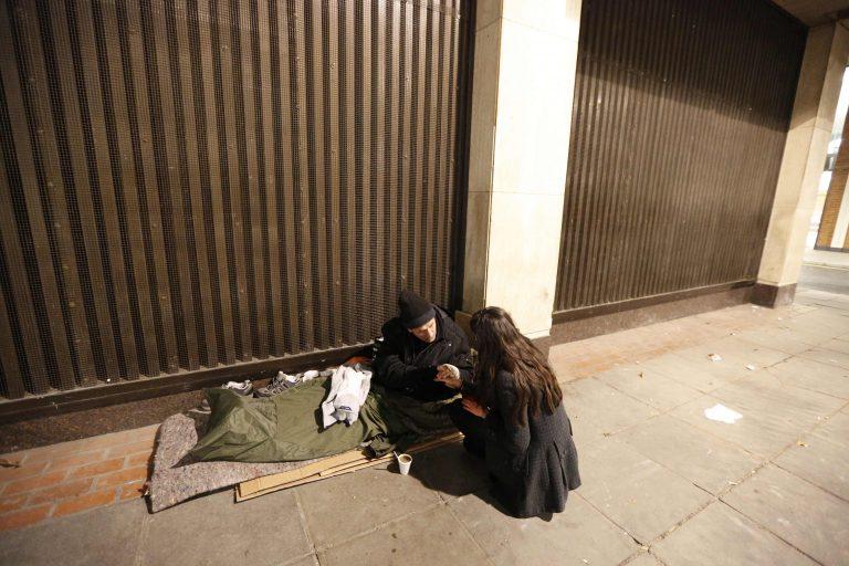Βρετανία: Διπλασιάστηκε ο αριθμός των αστέγων   Newsit.gr