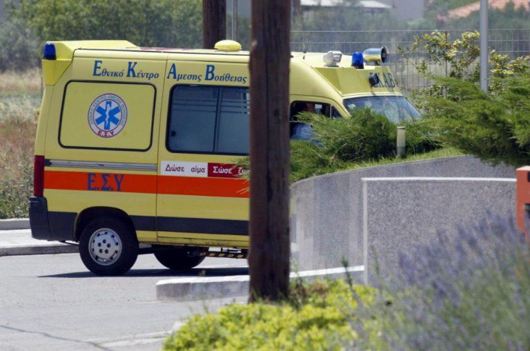 Ηράκλειο: Σκαπτικό μηχάνημα συγκρούστηκε με διερχόμενο αυτοκίνητο | Newsit.gr
