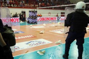 """Ολυμπιακός – ΠΑΟΚ: Σκηνές ντροπής! Τα """"έσπασαν"""" στου Ρέντη [pics]"""