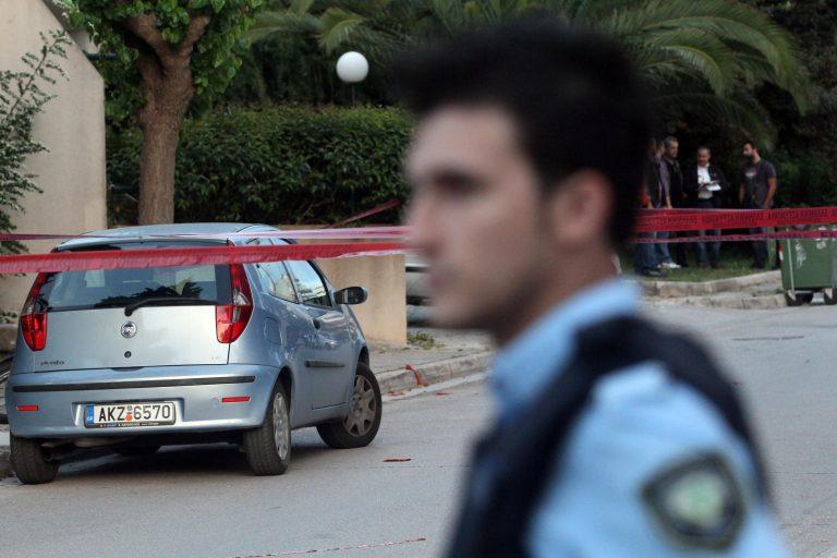 Θεσσαλονίκη: Αστυνομικός έκλεβε εργαλεία από super market   Newsit.gr