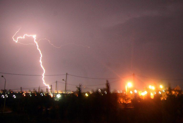 Έκτακτο δελτίο πρόγνωσης επικίνδυνων καιρικών φαινομένων – Βροχές και καταιγίδες έρχονται από τα δυτικά | Newsit.gr