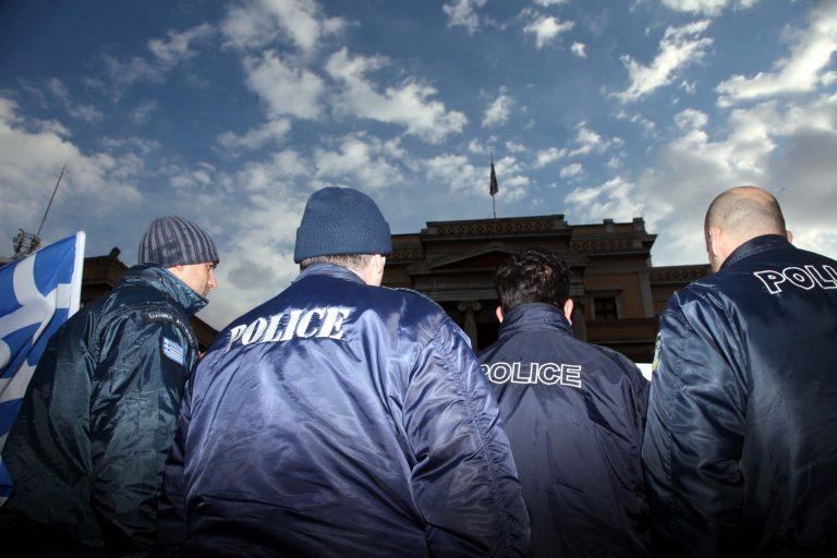 Το αισιόδοξο και το απαισιόδοξο σενάριο για τα ειδικά μισθολόγια – Τι θα προτείνει η κυβέρνηση στην τρόικα | Newsit.gr