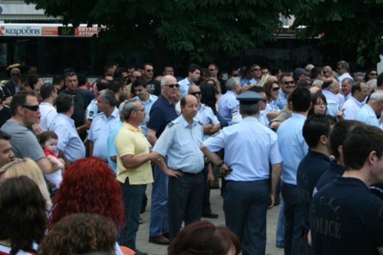 Ένστολη διαμαρτυρία αστυνομικών στην Τρίπολη   Newsit.gr