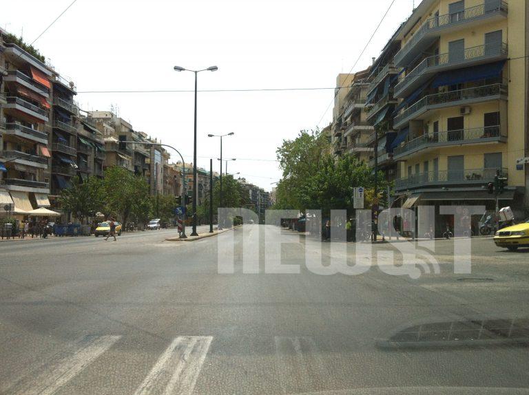 Δεν κουνιέται φύλλο! – Δείτε ΦΩΤΟ απο την άδεια Αθήνα | Newsit.gr