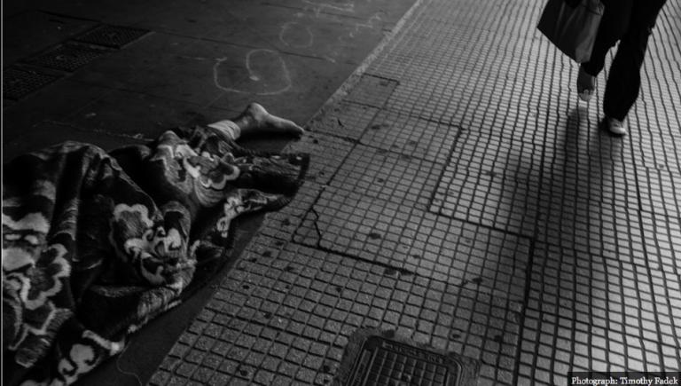 Οι Άθλιοι των Αθηνών -Εικόνες μιας πόλης σε παρακμή από το Foreign Policy | Newsit.gr