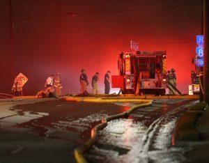 Απίστευτες εικόνες! Κατέρρευσε αυτοκινητόδρομος εξαιτίας πυρκαγιάς [pics, vids]