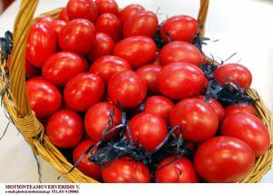 Πασχαλινά έθιμα: Γιατί τσουγκρίζουμε τα αυγά